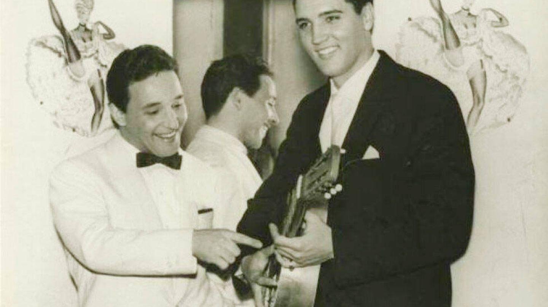 Torrebruno, con Elvis Presley. (Redes)