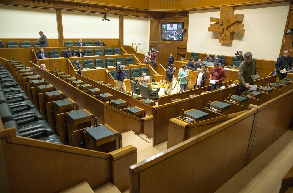 Foto: El Parlamento Vasco suspende este viernes la sesión de control al Gobierno por falta de quórum debido a la huelga. (EFE)