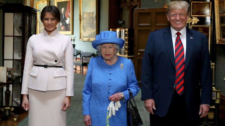 Donald y Melania Trump en la reina Isabel II el verano pasado. (Reuters)