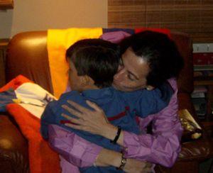 Clara Rojas llega a Colombia y se reúne con su hijo