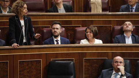 Pastor riñe a Batet por hablar en catalán: Use la lengua en que nos entendemos