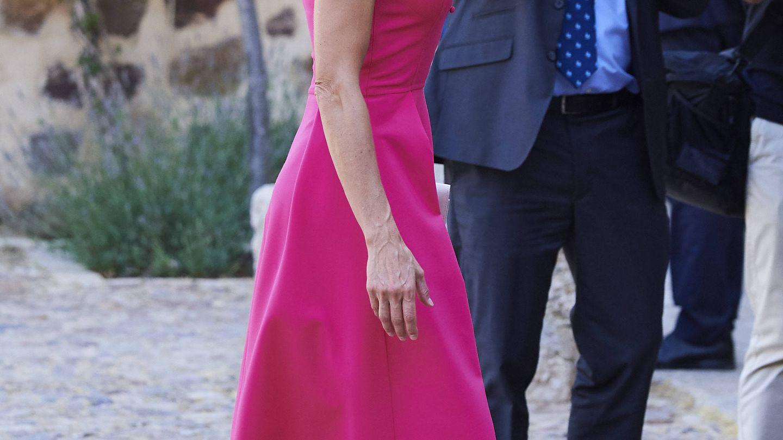 Doña Letizia con sus zapatos con detalle de vinilo en Almagro. (Getty)
