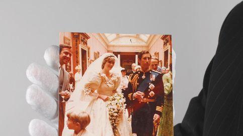 Una decena de imágenes de la boda de Lady Di, a subasta por 15.000 euros