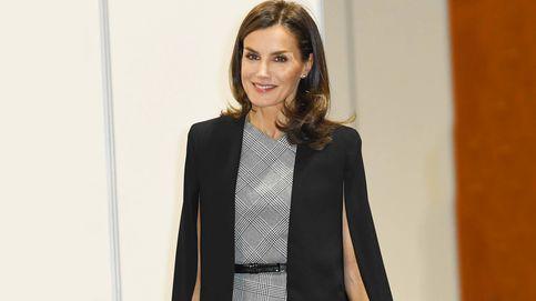 Sandra Gago se inspira en la reina Letizia y en su capa insignia