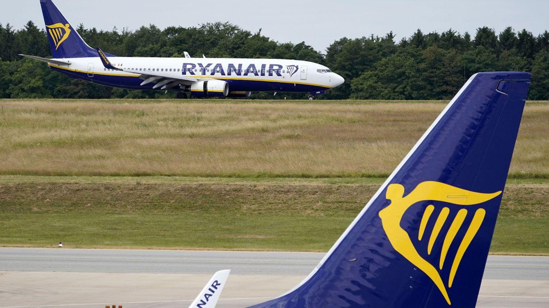 Más de 400 empleados y 150 rutas, en riesgo por los recortes de Ryanair en España