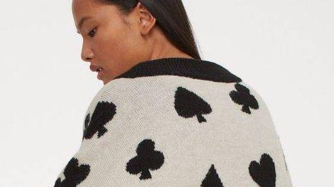 La chaqueta de punto de H&M a lo 'Alicia en el país de las maravillas' te convertirá en una reina, ¿te atreves?
