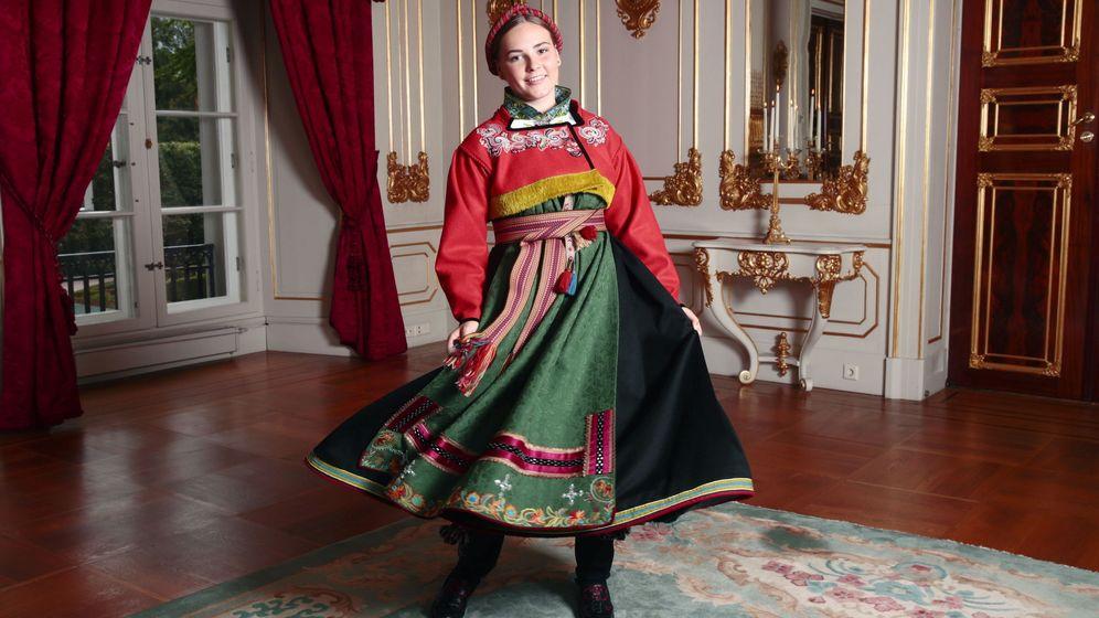 Foto: La princesa Ingrid Alexandra, en las fotos oficiales de su confirmación. (Reuters)