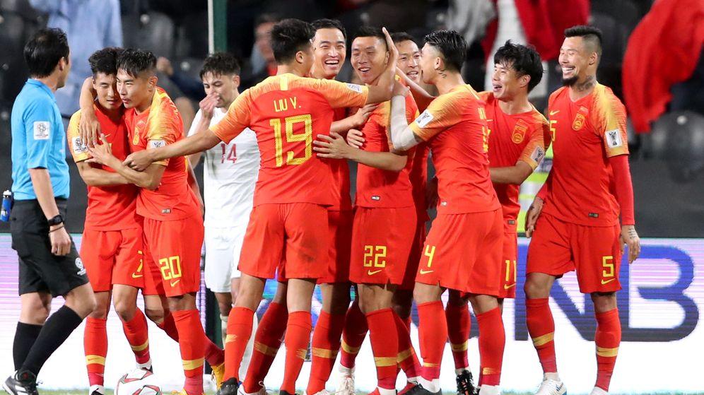 Foto: La selección de China celebrando un gol frente a Filipinas. (Reuters)