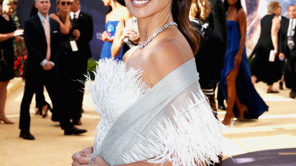 Penélope Cruz y su look de princesa cisne de Chanel en la noche de Versace