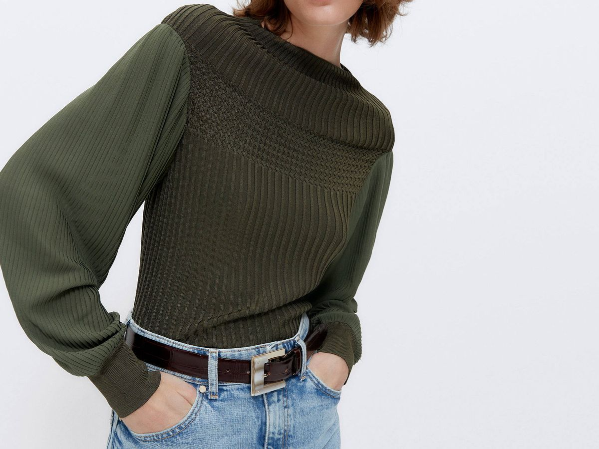 Foto: Jersey de manga plisada de Uterqüe. (Cortesía)