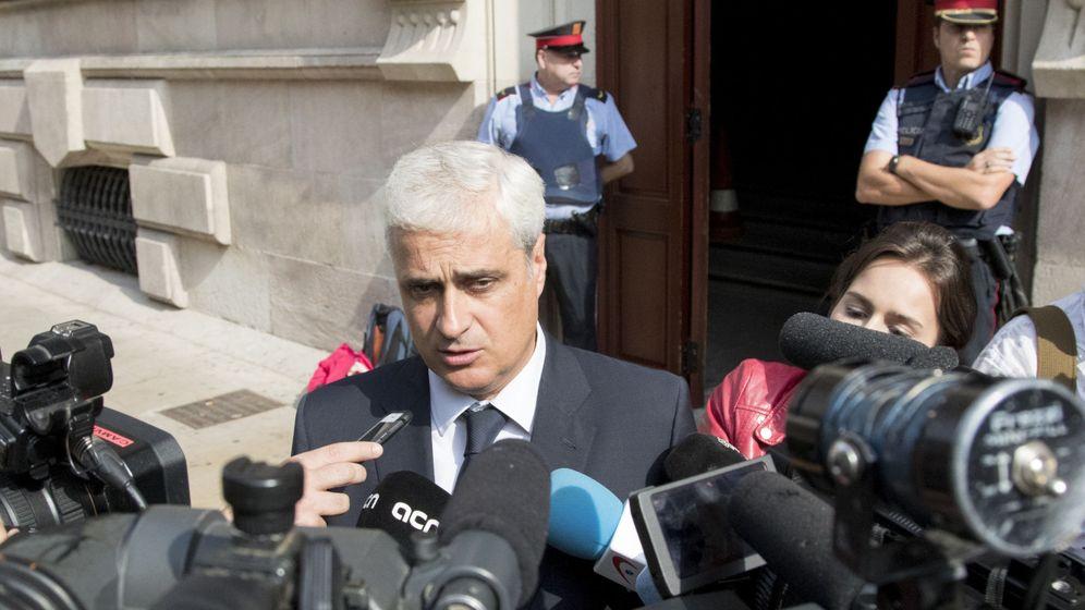 Foto: El exconseller de Justicia Germà Gordó a su salida de la Audiencia de Barcelona. (efe)