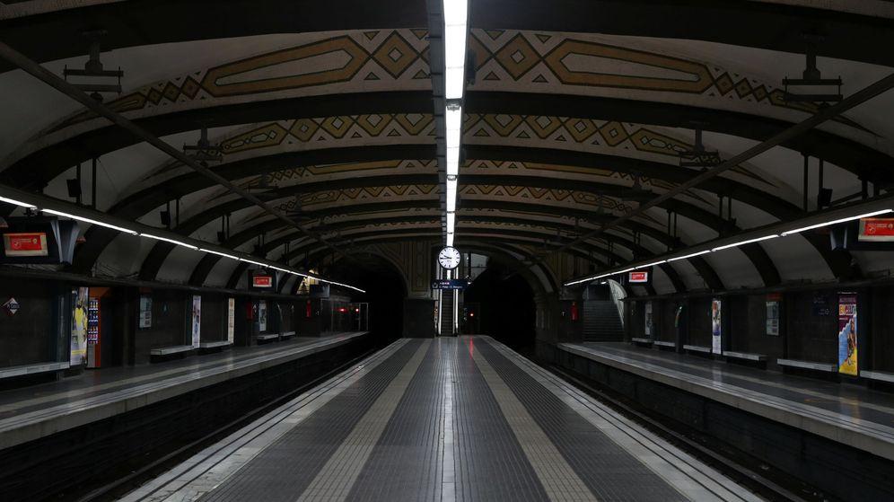 Foto: La estación de Plaza Catalunya, vacía por la huelga general. (Reuters)