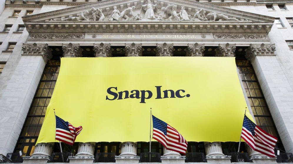 Foto: Cartel de Snap Inc. en la fachada de Wall Street. (EFE)