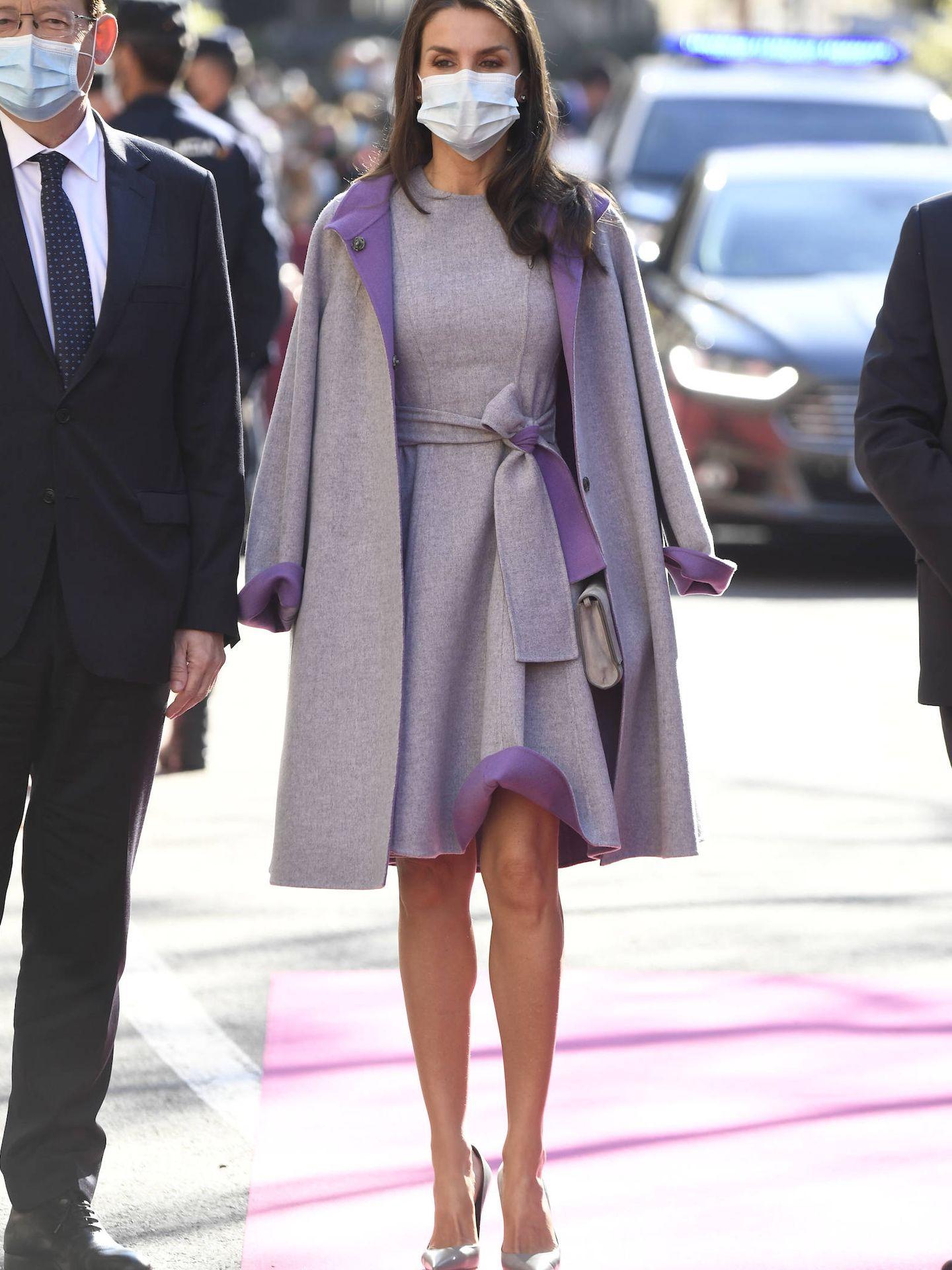 La Reina, a su llegada a Valencia. (LP)
