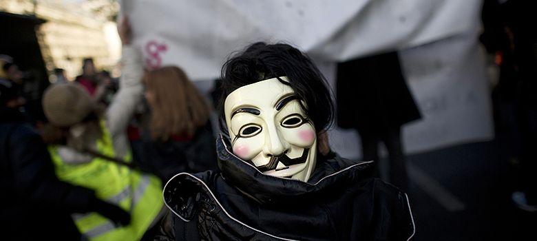 Foto: Anonymous desvela que la Generalitat creó un archivo de tuiteros incendiarios