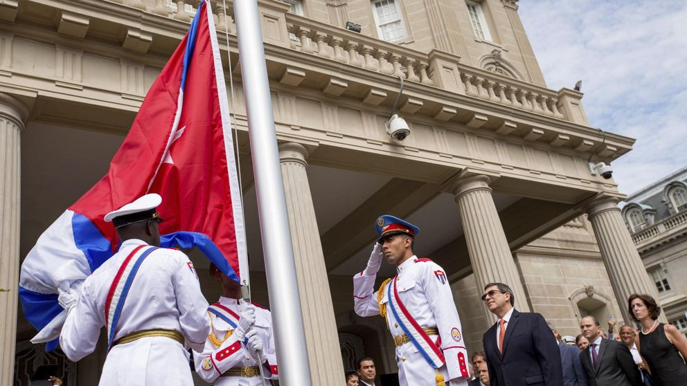 Cuba y EEUU reabren sus embajadas en Washington y La Habana