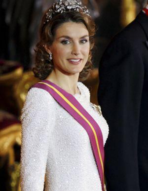 Foto: El pisotón del Príncipe Felipe a su esposa