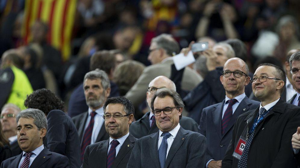 Foto: El presidente en funciones de la Generalitat, Artur Mas, el miércoles en el Camp Nou. (EFE)