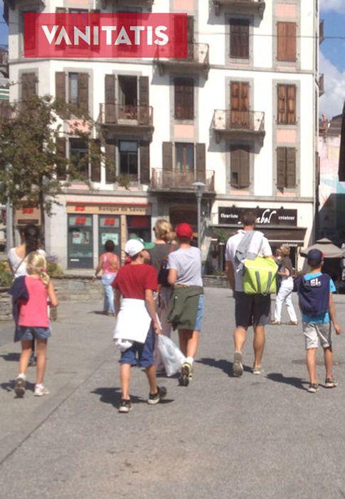 Foto: Los Urdangarin paseando por las calles de  Chamonix-Mont Blanc (Vanitatis)