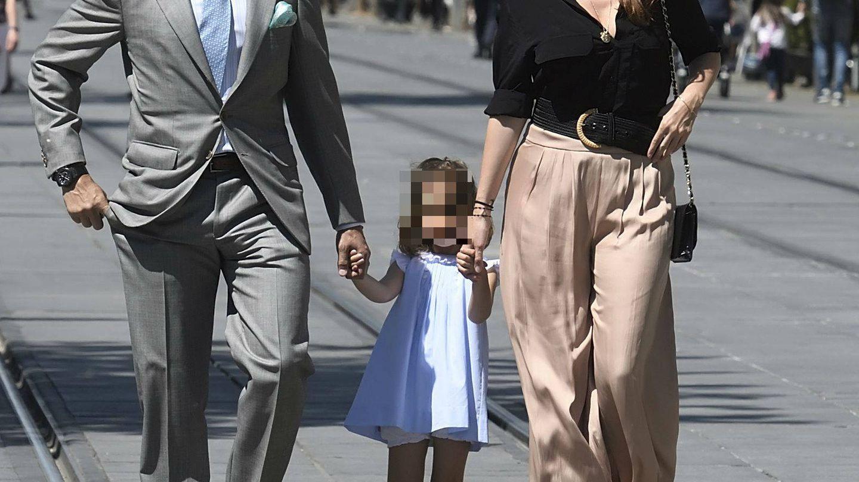 Fran Rivera y Lourdes Montes, con su hija. (Cordon Press)
