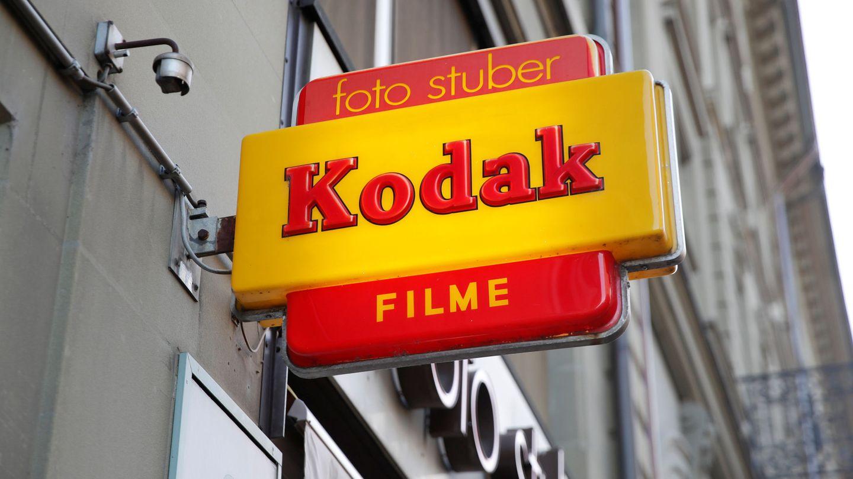 Un cartel de Kodak en una tienda de fotografía de Berna, Suiza. (Reuters)