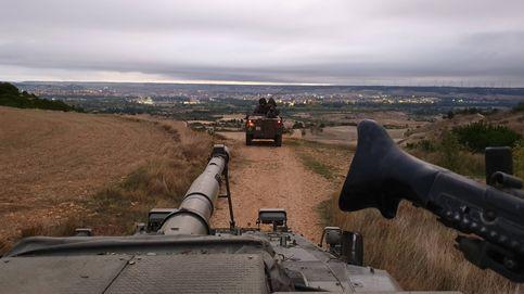 Blindados en marcha por la España vacía: así se viven las maniobras de la caballería