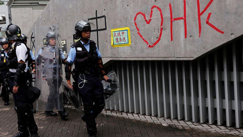 Foto: Policías en Hong Kong. (Reuters)