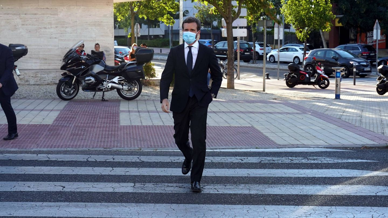 Pablo Casado, llegando a la misa funeral de Álex Lequio. (Cordon Press)