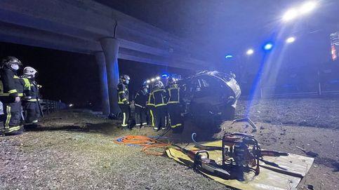 Muere un hombre tras impactar su coche contra un pilar de la R2 en Alcalá de Henares