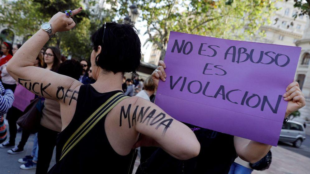 Foto: Manifestaciones en España contra la sentencia de La Manada. (EFE)