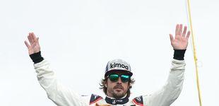 Post de Todo lo que se esconde detrás de una foto de Alonso con unas gafas de piña