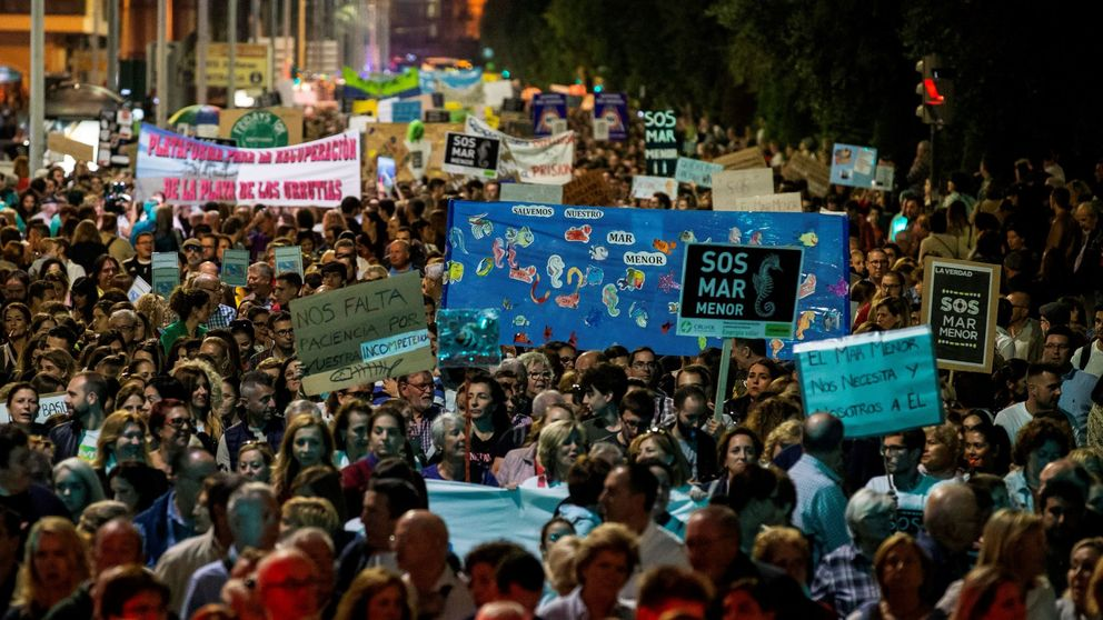 Unas 55.000 personas se manifiestan en Cartagena para salvar el Mar Menor
