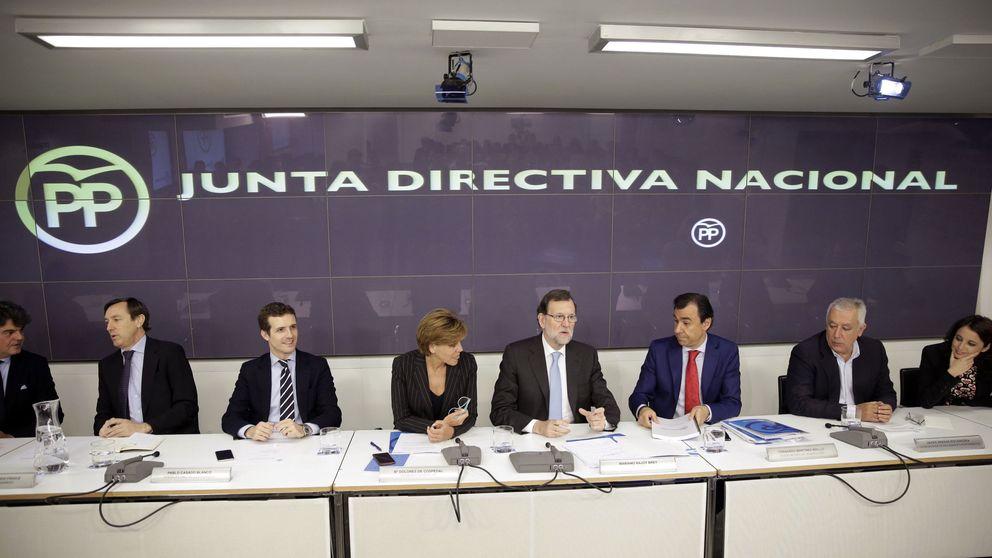 Rajoy arenga al PP para defender su Gobierno sensato frente a  disparates