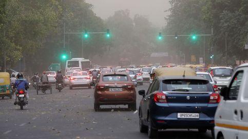 India coloca maniquíes disfrazados de policía en sus calles... y funciona