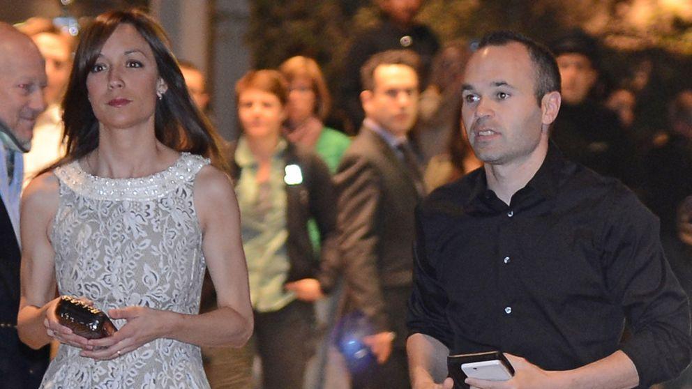 Andrés Iniesta sale a celebrar su 31 cumpleaños con su mujer, Anna Ortiz