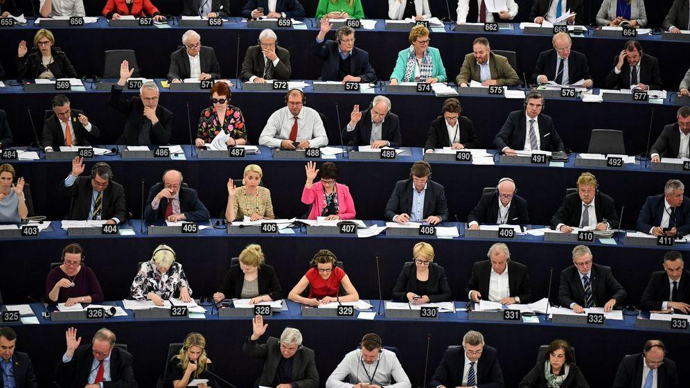 Foto: Imagen de archivo de una votación en el Parlamento Europeo. (EFE)