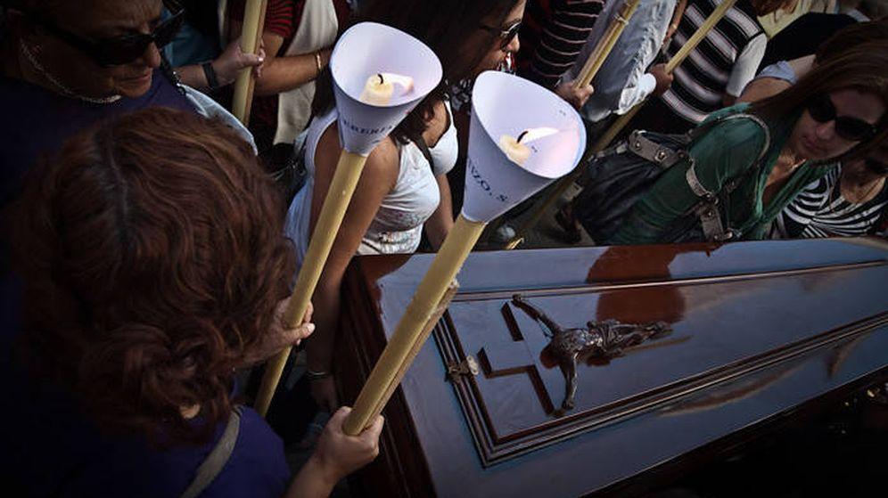 Foto: Procesión de Las Mortajas en A Pobra. (Flickr de José Pereira)
