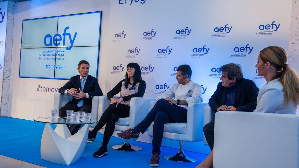 Foto: Mesa redonda sobre los beneficios del yogur convocada por la AEFY. (Jorge Álvaro)
