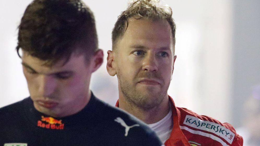 Foto: Vettel y Verstappen en el GP de Singapur del pasado año. (EFE)