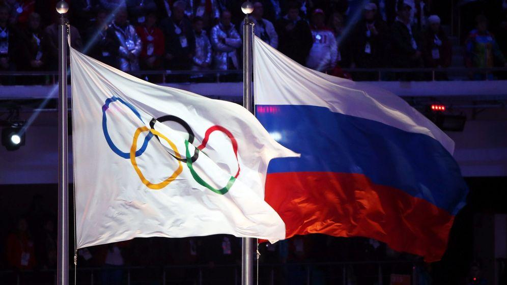Foto: Las banderas rusa y olímpica (EFE)