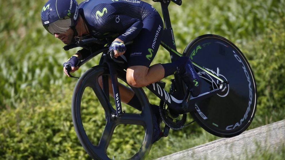 Valverde se permite el lujo de mirar por el retrovisor a Contador y Froome