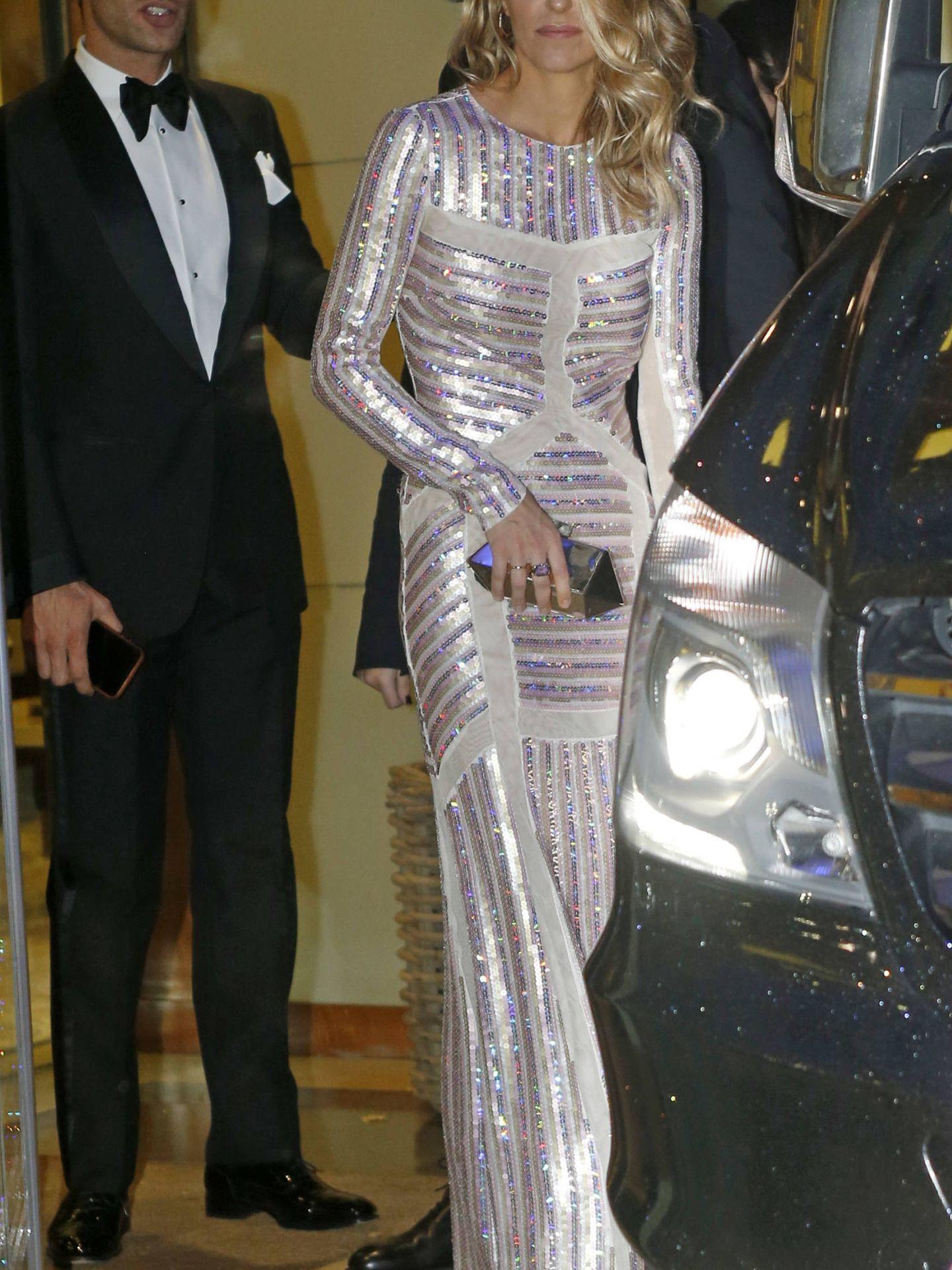 Laura Vecino, a la salida del hotel de camino a la fiesta de la boda. (Getty)