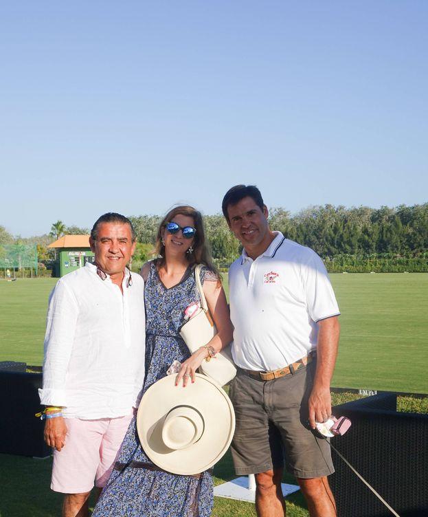 Foto: Jaime Martínez Bordiú, Margarita Vargas y Luis Alfonso de Borbón en Sotogrande, Cádiz