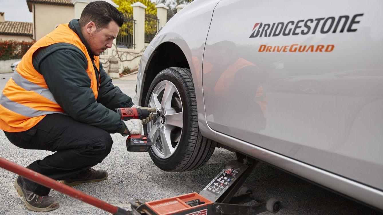 Bridgestone reinventa el neumático que se pincha y sigue funcionando