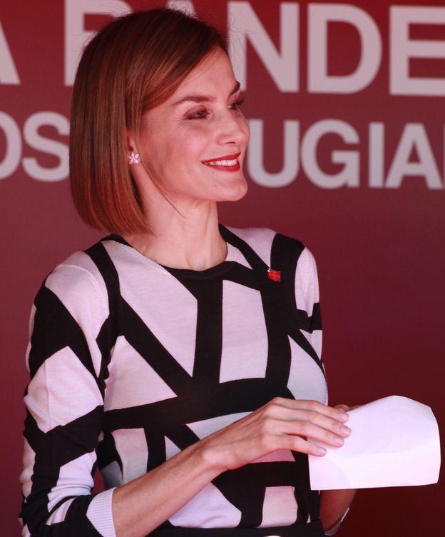 Foto: Doña Letizia con sus pendientes de Carolina Herrea (Gtres)