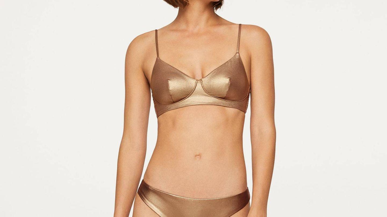 Bikini dorado de Oysho. (Cortesía)
