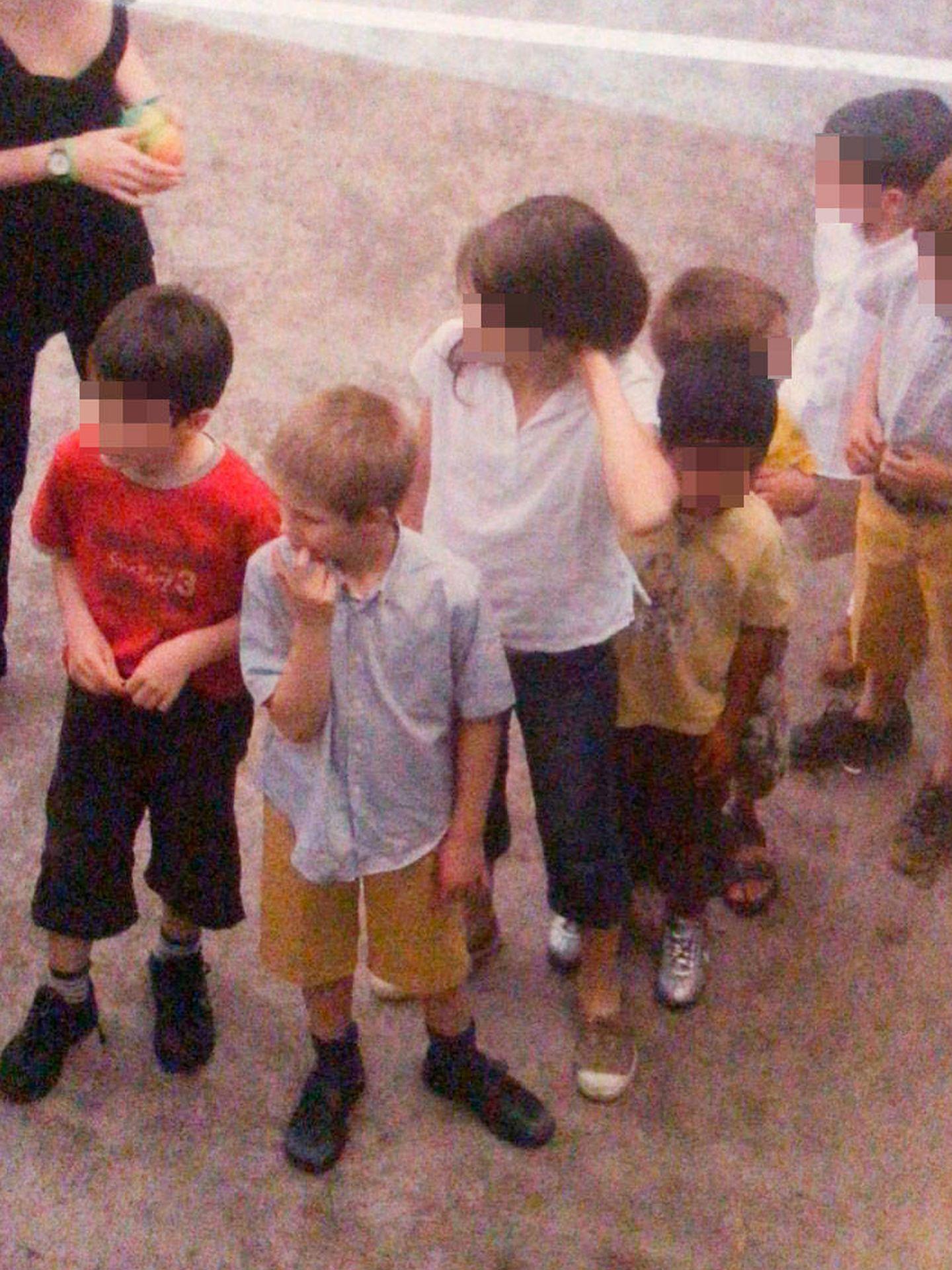Juan Urdangarin, de pequeño, en una fiesta. (Vanitatis)