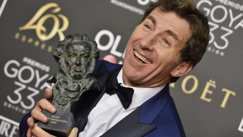 De la Torre con su Goya como mejor actor por 'El reino'. (EFE)