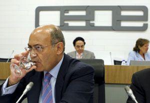 Tregua en CEOE para Díaz Ferrán hasta saber el futuro de sus empresas