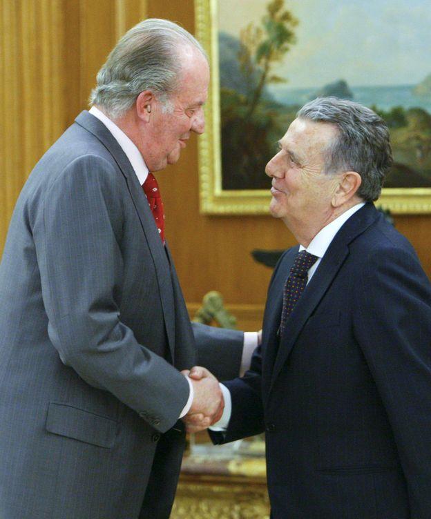 Foto: Juan Carlos I junto a Javier Godó, presidente del Grupo Godó. (EFE)